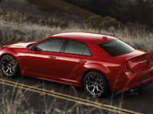 2017-Chrysler-300-Rear-Quarter-1500x1000.jpg