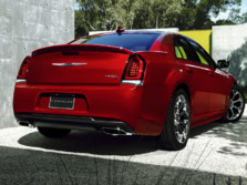 2017-Chrysler-300-Rear-Quarter-2-1500x1000.jpg