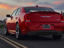 2017-Chrysler-300-Rear-Quarter-4-1500x1000.jpg