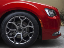 2017-Chrysler-300-Wheels-1500x1000.jpg