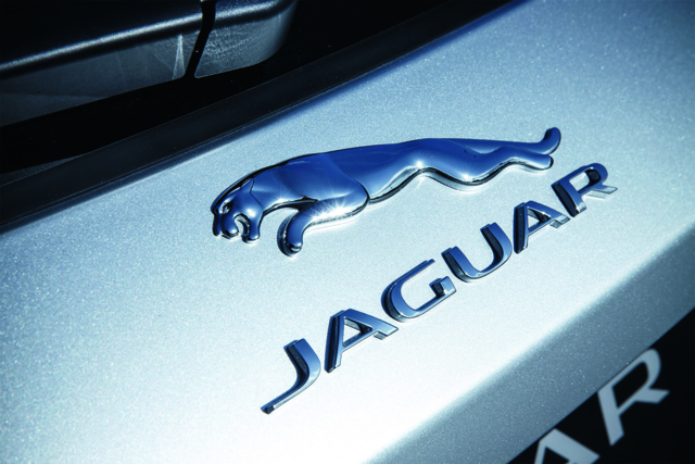 2017-Jaguar-F-PACE-Badge-1500x1000.jpg