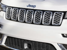 2017-Jeep-Grand-Cherokee-Badge-2-1500x1000.jpg
