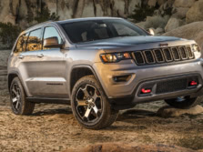 2017-Jeep-Grand-Cherokee-Front-Quarter-4-1500x1000.jpg
