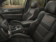 2017-Jeep-Grand-Cherokee-Interior-1500x1000.jpg