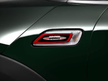 2017-MINI-John-Cooper-Works-Clubman-Badge-1500x1000.jpg