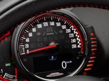 2017-MINI-John-Cooper-Works-Clubman-Instrument-Panel-1500x1000.jpg