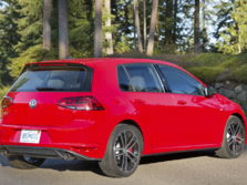 2017-Volkswagen-Golf-GTI-Rear-Quarter-1500x1000.jpg