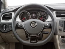2017-Volkswagen-Golf-Wagon-Steering-Wheel-1500x1000.jpg