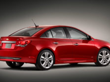 2014-Chevrolet-Cruze-Rear-Quarter-1500x1000.jpg