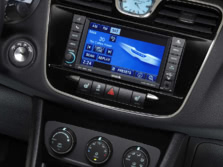 2014-Chrysler-200-Sedan-Center-Console-1500x1000.jpg