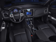 2014-Chrysler-200-Sedan-Dash-1500x1000.jpg