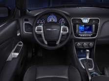 2014-Chrysler-200-Sedan-Steering-Wheel-1500x1000.jpg