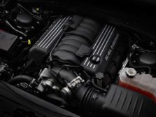 2014-Chrysler-300-SRT-Engine-1500x1000.jpg