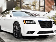 2014-Chrysler-300-SRT-Front-Quarter-2-1500x1000.jpg