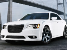 2014-Chrysler-300-SRT-Front-Quarter-3-1500x1000.jpg