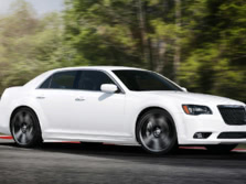 2014-Chrysler-300-SRT-Front-Quarter-6-1500x1000.jpg