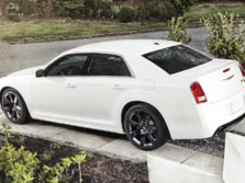 2014-Chrysler-300-SRT-Rear-Quarter-2-1500x1000.jpg