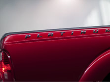 2014-Ford-F-250-Exterior-Detail-1500x1000.jpg