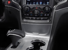 2014-Jeep-Grand-Cherokee-SRT-Center-Console-1500x1000.jpg