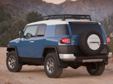 2014-Toyota-FJ-Cruiser-Rear-Quarter-3-1500x1000.jpg