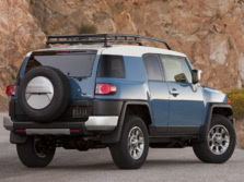 2014-Toyota-FJ-Cruiser-Rear-Quarter-5-1500x1000.jpg