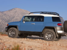 2014-Toyota-FJ-Cruiser-Rear-Quarter-6-1500x1000.jpg