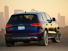 2015-Audi-SQ5-Rear-Quarter-1500x1000.jpg