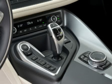 2015-BMW-i8-Interior-Detail-1500x1000.jpg