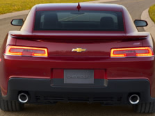 2015-Chevrolet-Camaro-Rear-1500x1000.jpg