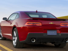 2015-Chevrolet-Camaro-Rear-Quarter-4-1500x1000.jpg