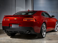 2015-Chevrolet-Camaro-Rear-Quarter-5-1500x1000.jpg
