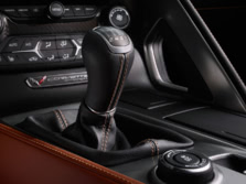 2015-Chevrolet-Corvette-Interior-Detail-5-1500x1000.jpg