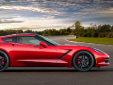 2015-Chevrolet-Corvette-Side-1500x1000.jpg