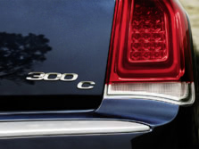 2015-Chrysler-300-Badge-2-1500x1000.jpg