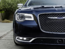2015-Chrysler-300-Exterior-Detail-1500x1000.jpg