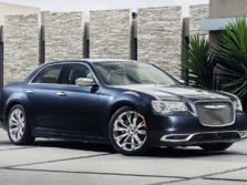 2015-Chrysler-300-Front-Quarter-2-1500x1000.jpg
