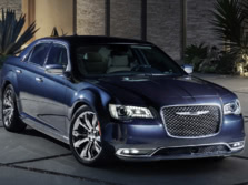2015-Chrysler-300-Front-Quarter-3-1500x1000.jpg