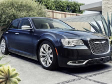 2015-Chrysler-300-Front-Quarter-4-1500x1000.jpg