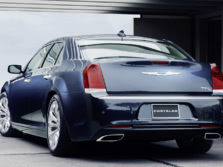 2015-Chrysler-300-Rear-Quarter-1500x1000.jpg
