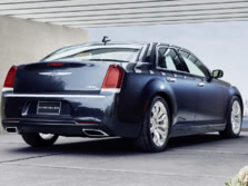 2015-Chrysler-300-Rear-Quarter-2-1500x1000.jpg