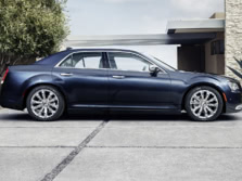 2015-Chrysler-300-Side-1500x1000.jpg
