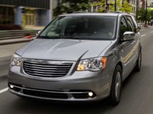 2015-Chrysler-Town-and-Country-Front-Quarter-2-1500x1000.jpg