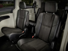 2015-Chrysler-Town-and-Country-Rear-Interior-1500x1000.jpg