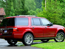 2015-Ford-Expedition-Rear-Quarter-4-1500x1000.jpg