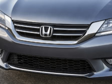 2015-Honda-Accord-Badge-19-1500x1000.jpg