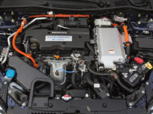2015-Honda-Accord-Engine-3-1500x1000.jpg