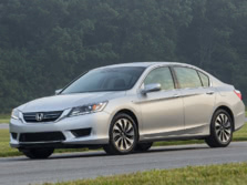 2015-Honda-Accord-Front-Quarter-10-1500x1000.jpg