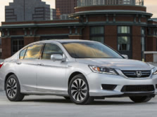 2015-Honda-Accord-Front-Quarter-112-1500x1000.jpg