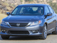 2015-Honda-Accord-Front-Quarter-115-1500x1000.jpg