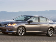 2015-Honda-Accord-Front-Quarter-116-1500x1000.jpg